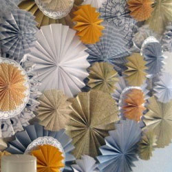 Paper-rosette-backdrop