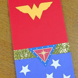 Wonder-woman-favor-bag-diy