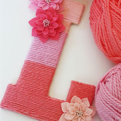 Yarn-wrapped-ombre-monogrammed-letter