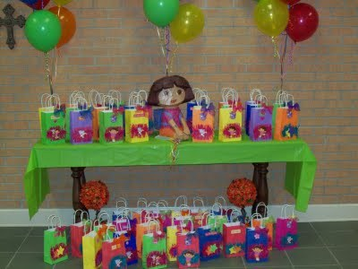 DORA  / Birthday / Party Photo: