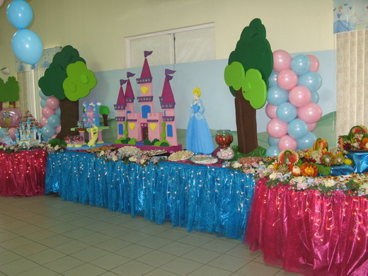 Beautiful Cinderella Birthday Party Decoration Ideas 520 x 390 · 115 kB · jpeg