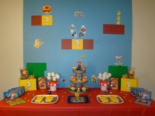 Super Mario Bros / Birthday / Dessert Table: Dessert table