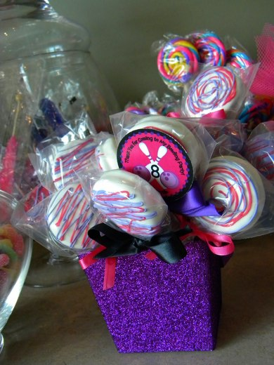 Moster High / Birthday / Party Photo: oreo pops by MKR