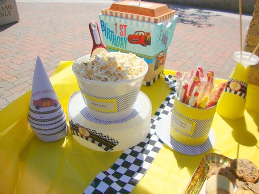 Disney Cars/Children / Birthday / Party Photo: Popcorn bucket
