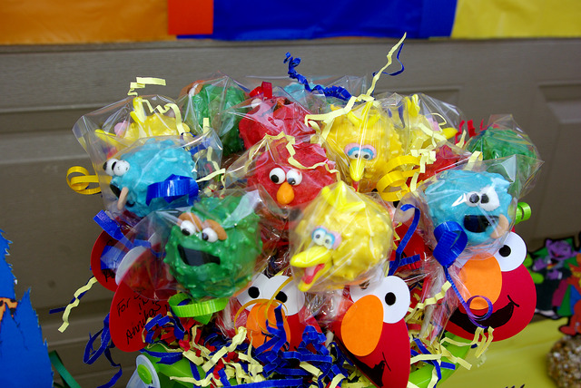 Sesame Street Party / Birthday / Featured Photo: Cake Pops