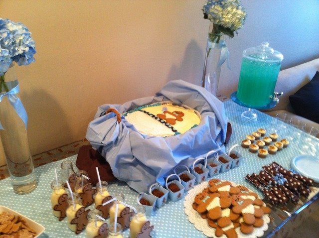 Gingerbread Boy / Baby Shower/Sip & See / Featured Photo: