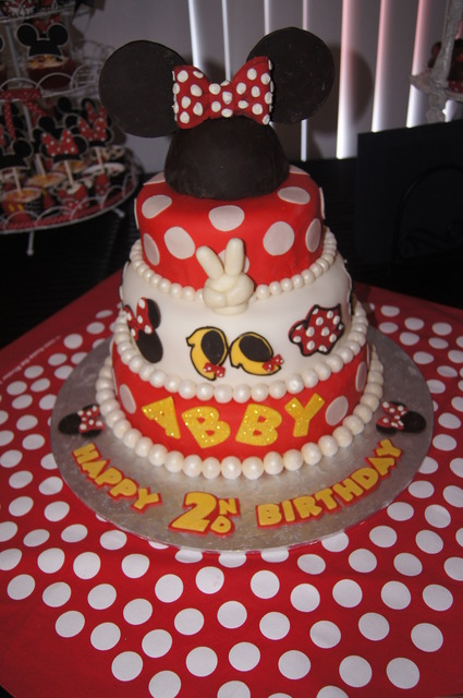 Minnie Mouse / Birthday / Cake: Minnie Mouse cake!