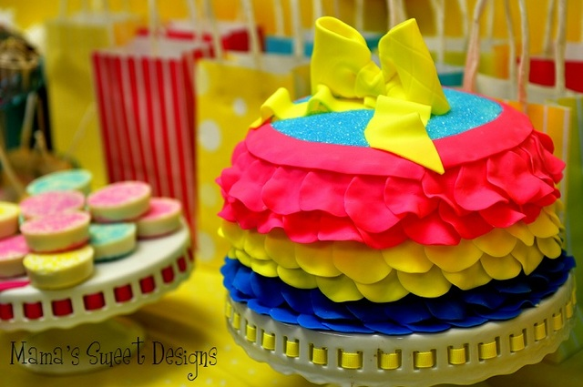 Yellow, hot pink, and turqouise. Pinwheels, bowss & ruffles / Birthday / Cake: