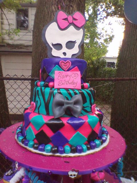 Monster High Gil Cake Ideas And Designs