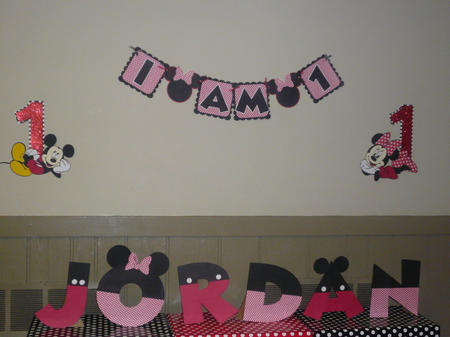 Mickey and Minnie Mouse / Birthday / Party Photo:
