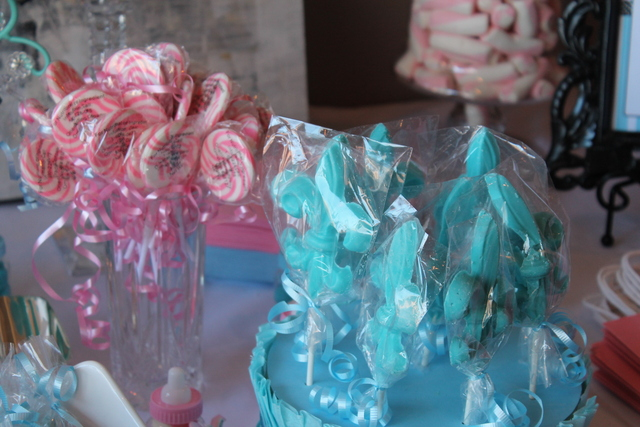 Paris / Baby Shower/Sip & See / Party Photo: Chocolate fleur-de-lis
