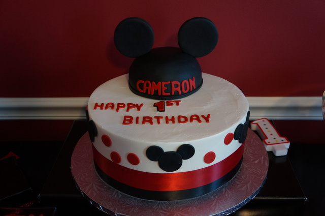 Mickey Mouse / Birthday / Cake: Mickey Mouse Cake