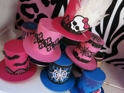 11monster_high_top_hats_medium
