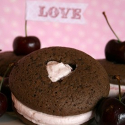 Chocolate-cherry-whoopie-pies