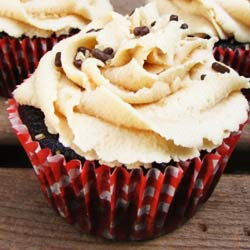 Chocolate-peanut-butter-cookie-dough-cupcake-recipe