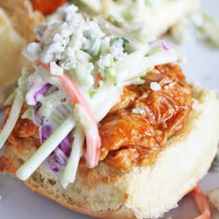 Crockpot-buffalo-chicken-and-blue-cheese-sliders-recipe