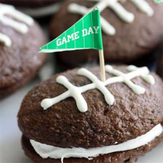 Football-whoopie-pie-recipe