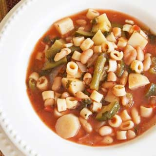 Hearty-crockpot-minestrone-soup-recipe