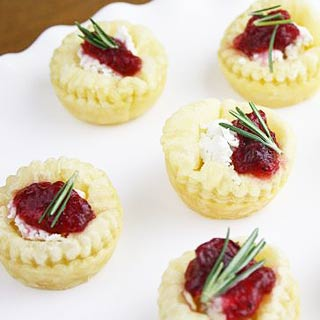 Puff-pastry-cranberry-herb-cheese-bites-recipe