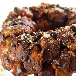 Snickers-monkey-bread-recipe