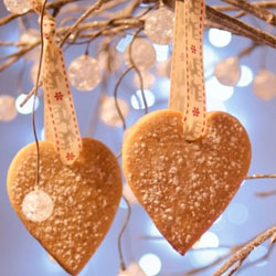 Vanilla-heart-cookie-christmas-tree-ornaments-recipe
